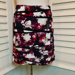 WHBM Floral Rose Print Tiered Skirt, 12, EUC